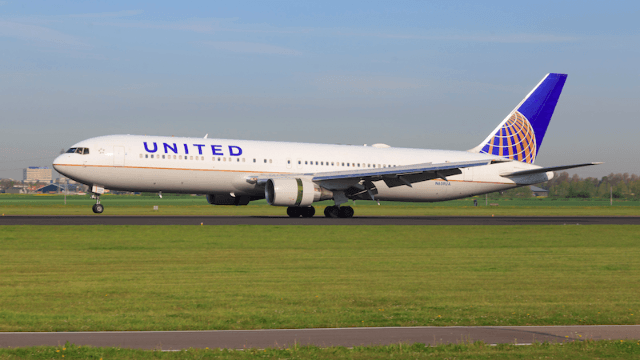 United kicked a couple off their plane for basically no reason. They were flying to their wedding.