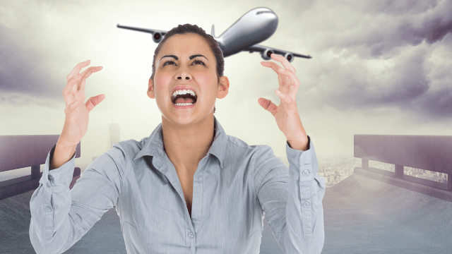 People are sharing their worst experiences on United Airlines. You may never want to fly again.