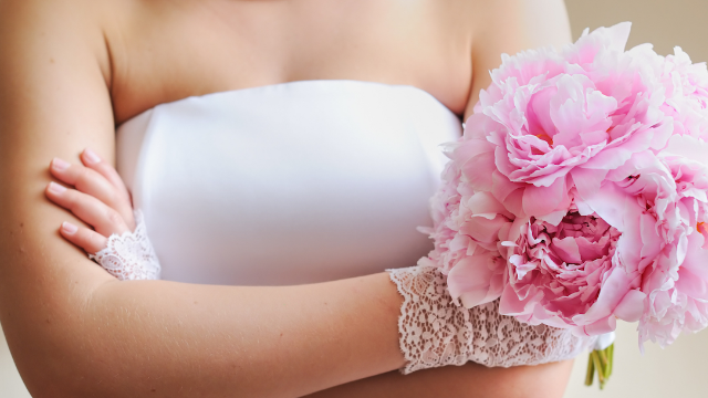 Vegan bridezilla bans meat-eating 'murderers' from wedding, gets slaughtered in the comments.