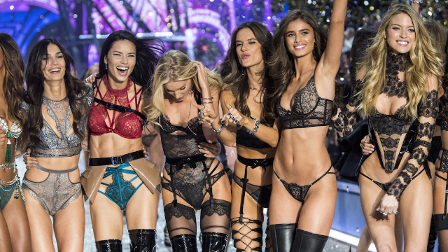 The big secret at the Victoria's Secret fashion show was white models singing the n-word.