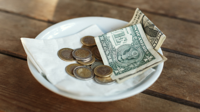Teens who didn't know they had to tip made it up to the waiter in a big way.