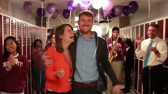 These high school students helped their teacher surprise his girlfriend with a big question.