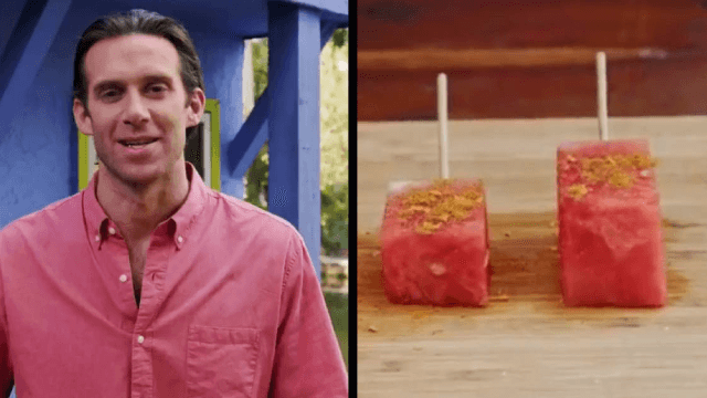 Twitter is going nuts over the way this man is preparing watermelon.