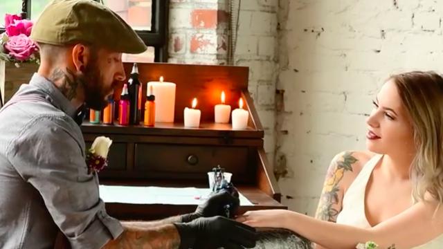 Wedding Tattoo Ideas: Tattoo Artist Inks Reception Guests