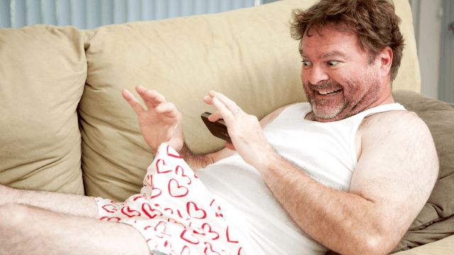 11 dudes explain what makes them send women pictures of their penis.