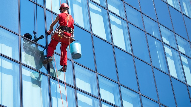 20 window washers share the most memorable things they've seen through someone's windows.