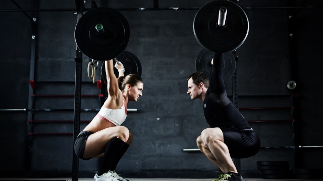 Woman asks if she's wrong for beating boyfriend in weightlifting contest to prove a point.