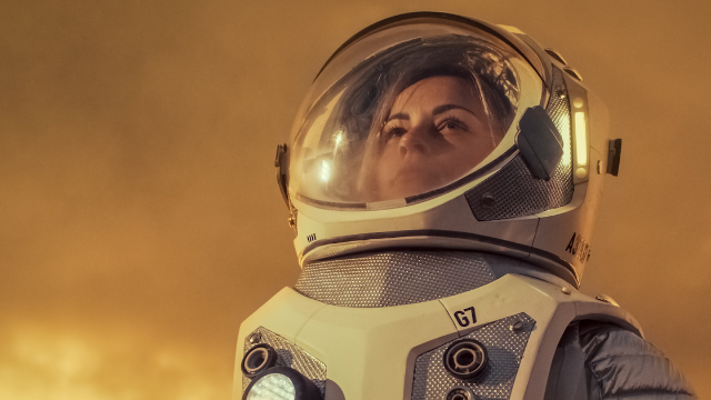 Woman breaks down how astronauts pee and poop in space in viral thread.