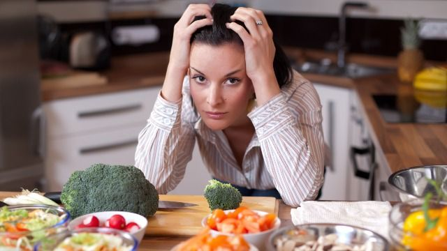 Woman asks if she's wrong for 'canceling' Thanksgiving due to sister-in-law's dietary restrictions.