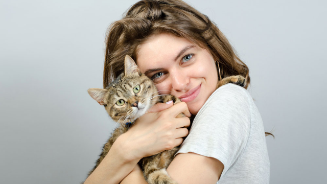 This woman believes she's a cat trapped in a human's body and makes a pretty compelling case.