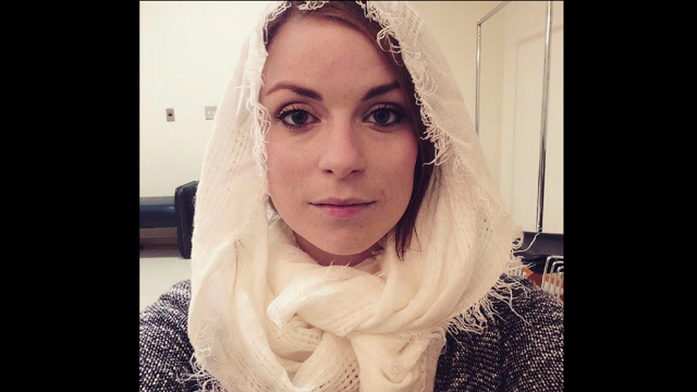 Non-Muslim woman harassed for wearing headscarf has perfect non-response.