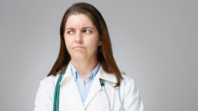 Woman with no qualifications tries to apply for nursing job, then completely loses her sh*t.