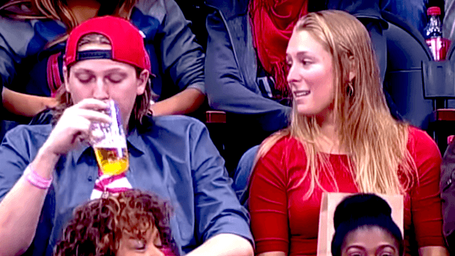 Woman rejected by boyfriend on 'kiss cam' gets the perfect revenge.