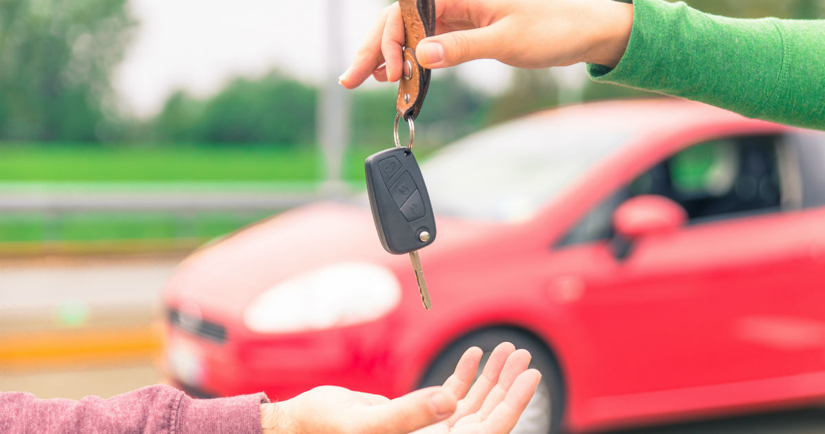 Woman's text convo with mom interested in buying her car goes viral for the best reason.