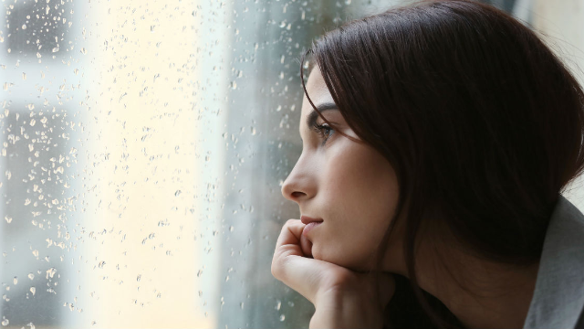 Woman's viral thread highlights a commonly overlooked symptom of depression.