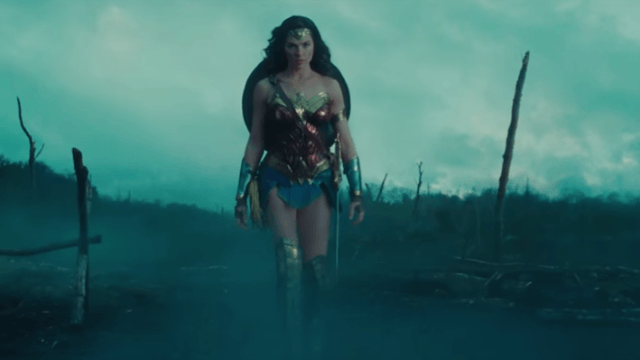 The full-length 'Wonder Woman' trailer just dropped, and fans couldn't be more hyped.