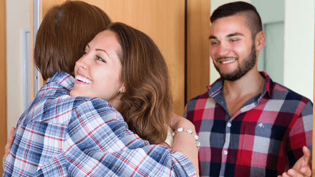 25 times people met their significant others' parents and lived to tell the horrifying tale.