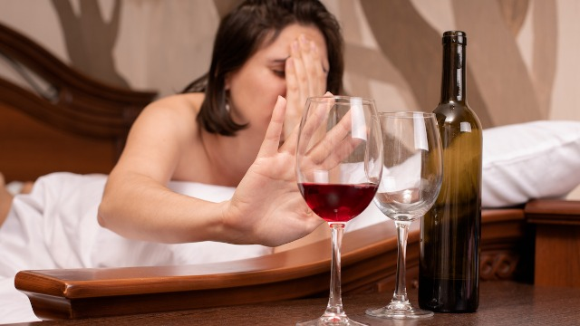 23 people share the worst thing they've done drunk that they paid for the next day.