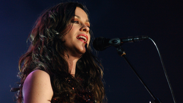 Writer trashes Alanis Morissette's 'Jagged Little Pill.' People are, actually, very mad???