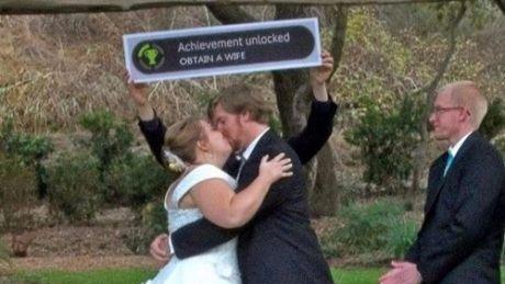 15 wedding signs even funnier than your drunk grandma dancing.