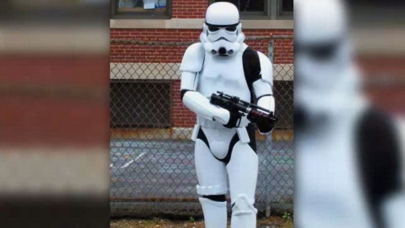 You'll never guess why this guy was arrested outside an elementary school.