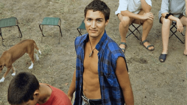 Everyone is losing their minds over these pics of young Justin Trudeau, human thirst trap.