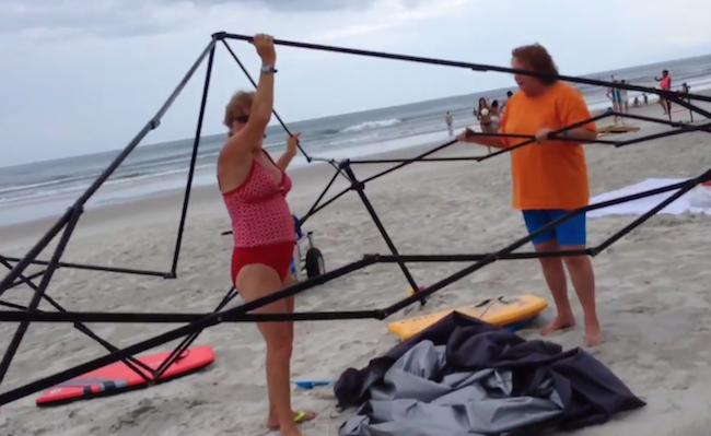 A guy confronted two women trying to steal his stuff on the beach and they found that rude.