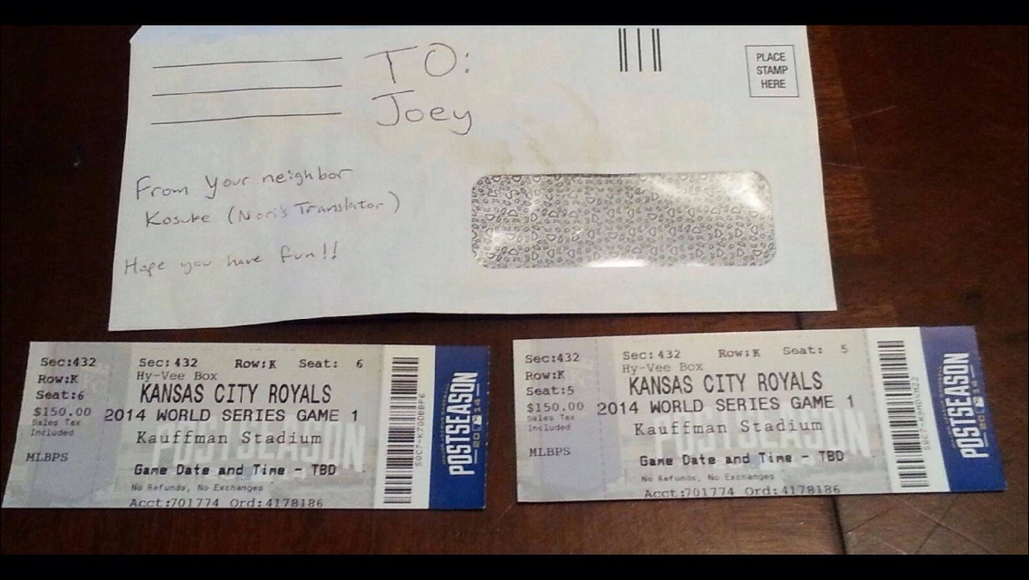 This kid who lives near a Kansas City Royals player woke up to the best 10th birthday ever.