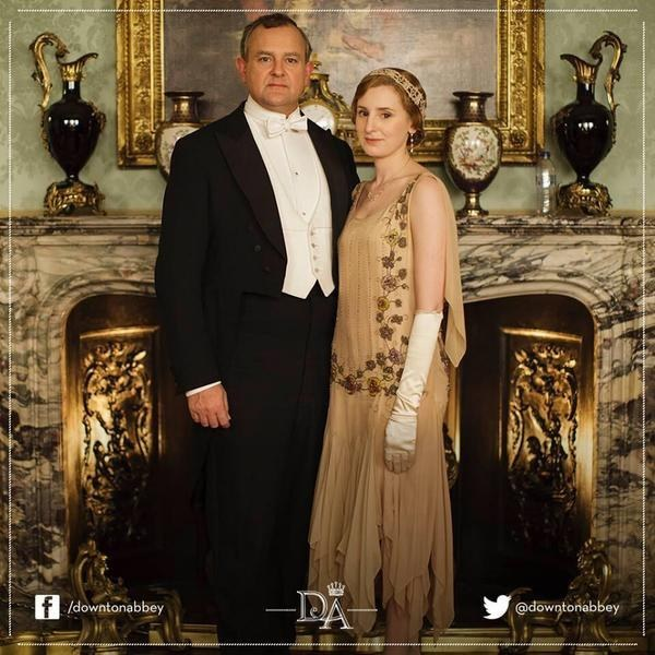There's a pretty obvious historical error in this pic from the new season of Downton Abbey.
