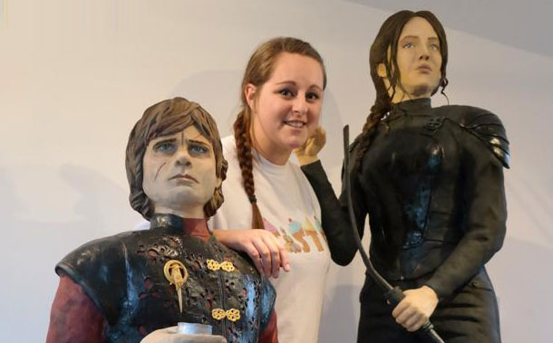 A woman baked life-size versions of Jennifer Lawrence and Peter Dinklage out of delicious cake.