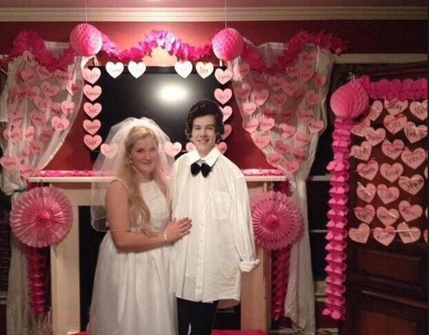 This weird One Direction fan decided to let the Internet know she's the most obsessed person on the planet.