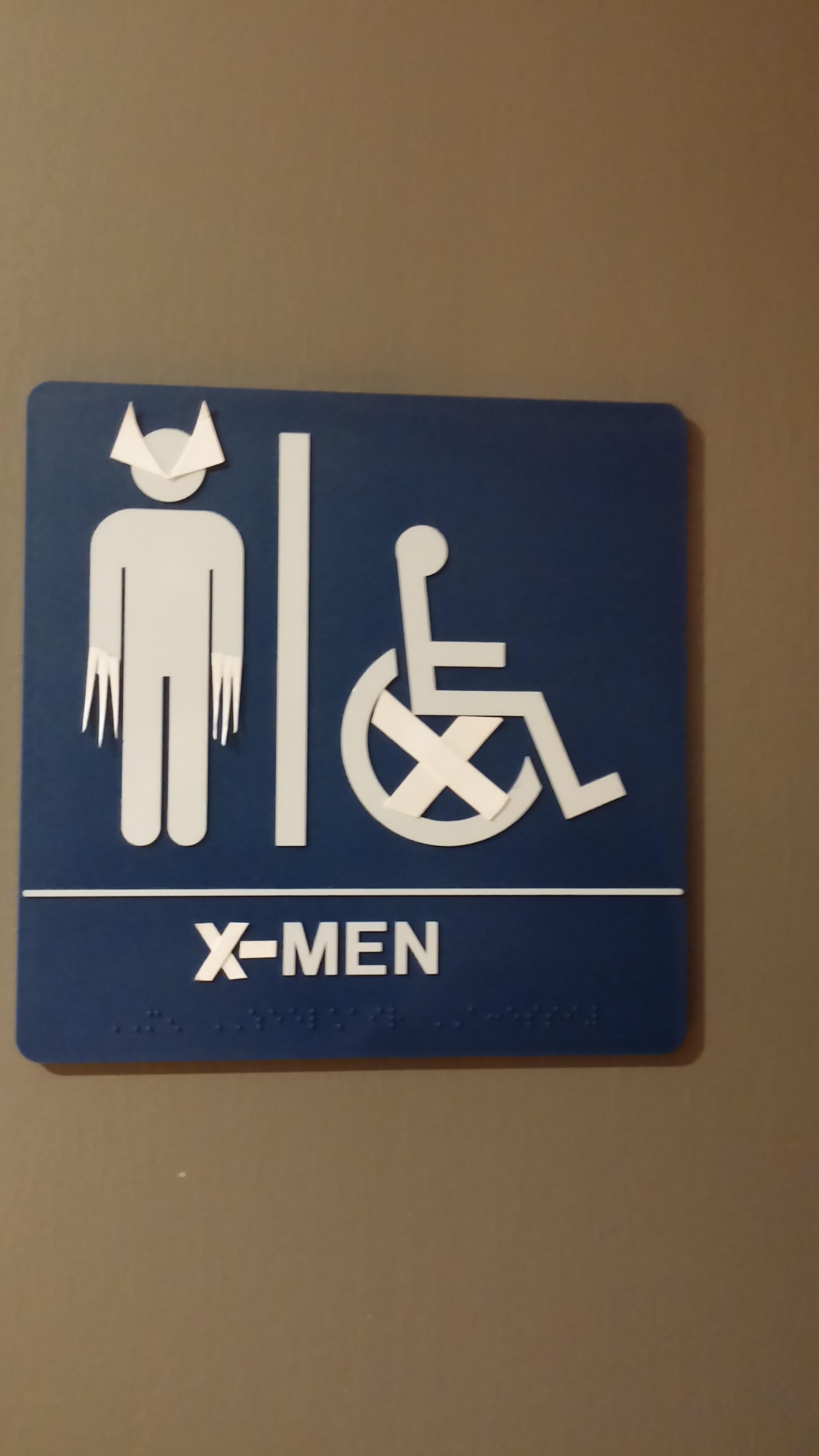 Weird bathroom signs - The 11 Weirdest Most Amusing Men S And Women S Bathroom Signs Someecards Weird News