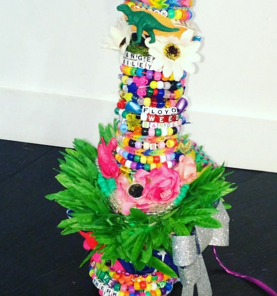 Miley Cyrus decorated a giant, memorial bong in honor of her dead dog.