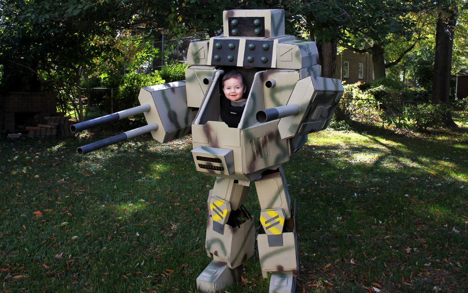 A dad created a MechWarrior costume for himself and his 6-month-old baby.