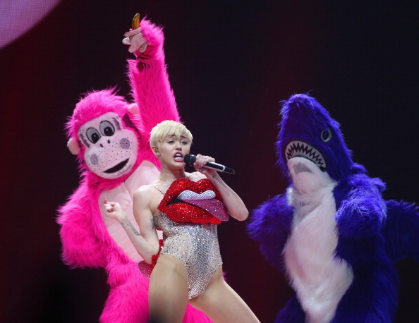 Miley Cyrus threw a tantrum in a hotel that wanted her to stop blazing pot in the lobby.