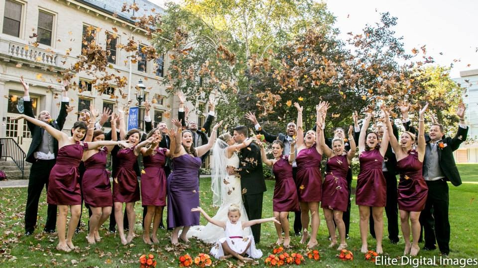 This couple's before-and-after shots of their wedding party make their reception look like a lot of fun.