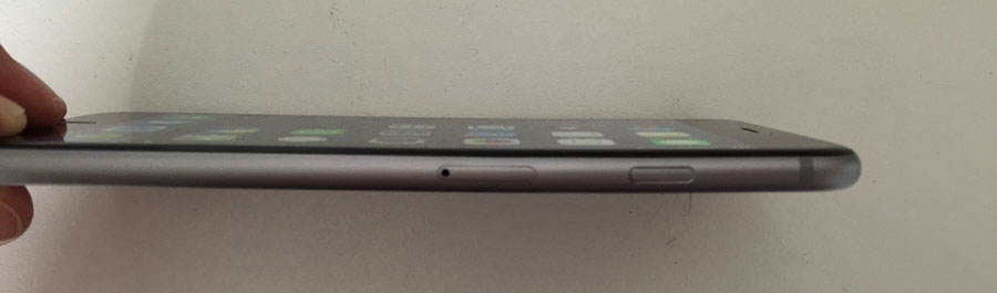 Congrats, suckers! If you bought an iPhone 6, don't ever put it in your pocket.