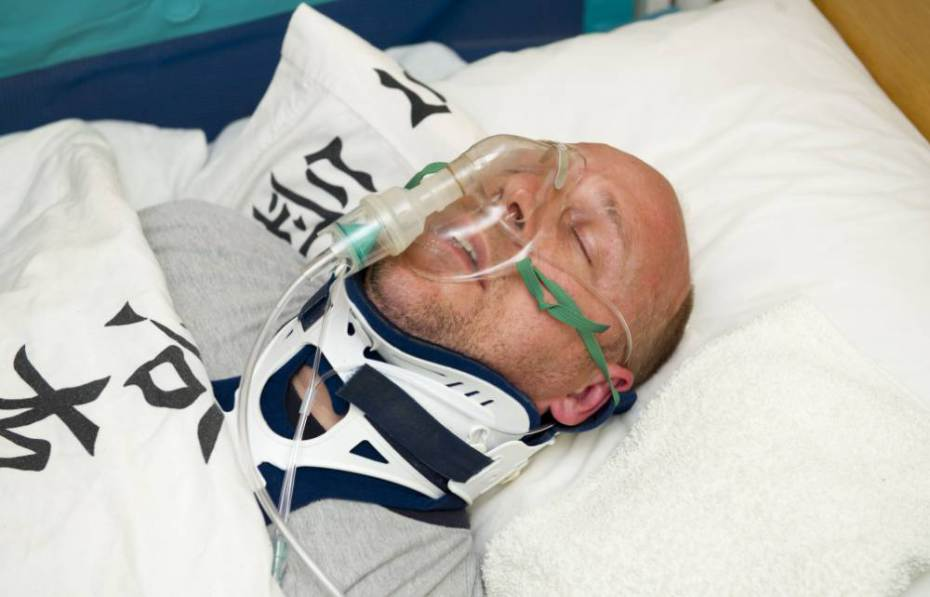 Despicable human pretends to be in a coma for two years to avoid prison.