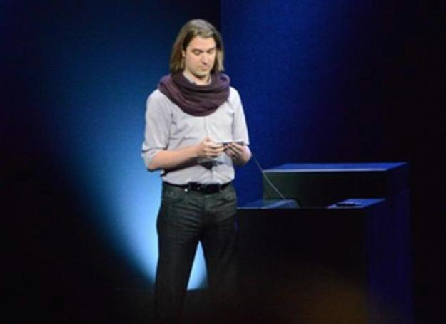 """The breakout star of Apple's iPhone 6 launch was """"Keynote Scarf Guy."""""""