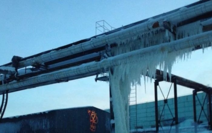 A water main in Russia broke and instantly trapped everything in its path in ice.