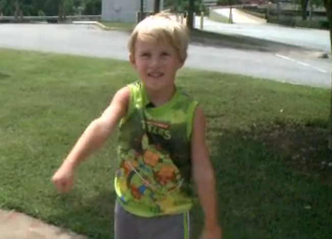 "A 4-year-old boy was kicked out of a restaurant for ""violating the dress code."""