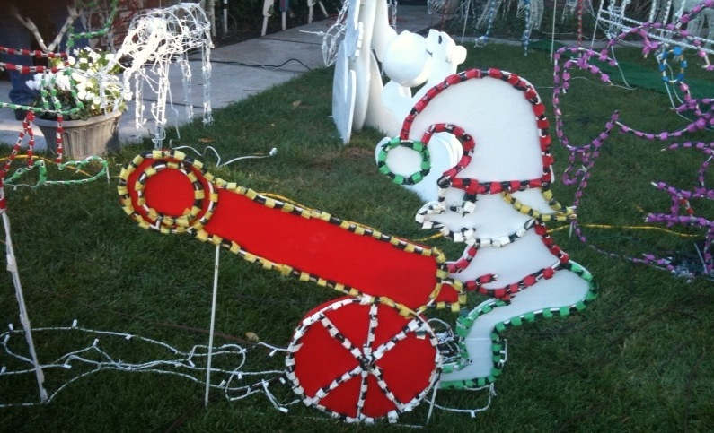13 merrily inappropriate Christmas decorations.