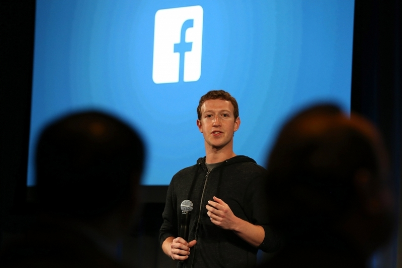 Facebook further lowers barrier to checking it constantly.