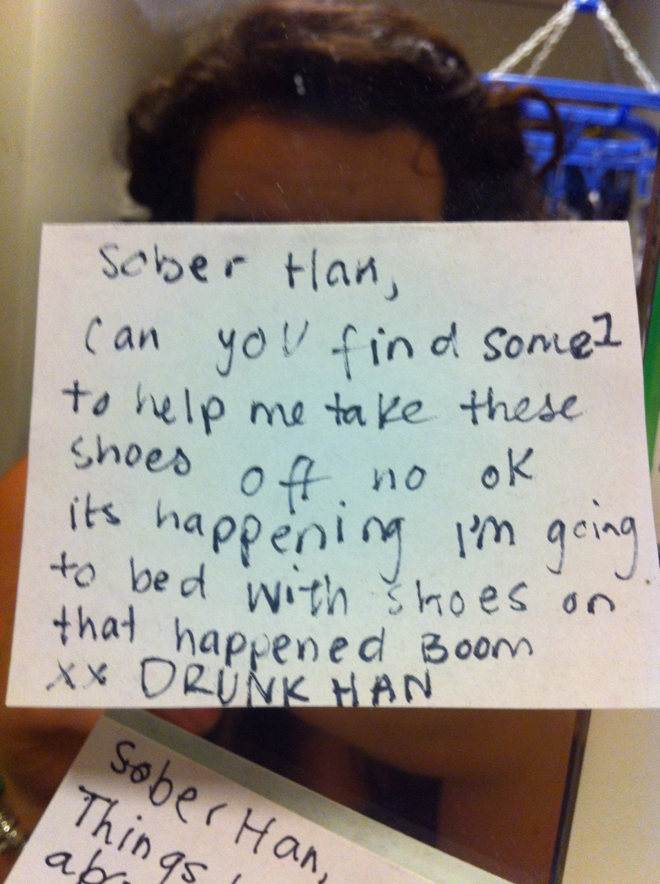 This girl leaves hilarious notes for herself when she's drunk, so she'll know what happened when she sobers up.