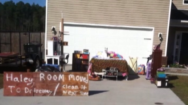 A teenage girl wasn't cleaning her room, so her dad took out all her stuff and reassembled it in the driveway.