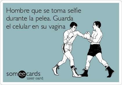 Hombre que se toma selfie durante la pelea. Guarda el celular en su vagina
